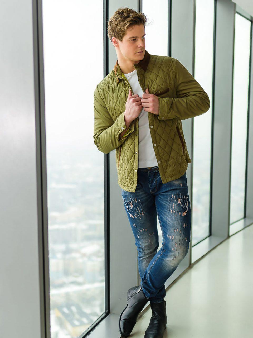 pol_pl_Stylizacja-nr-165-kurtka-przejsciowa-T-shirt-meski-spodnie-jeansowe-49049_1-960x1281.jpg