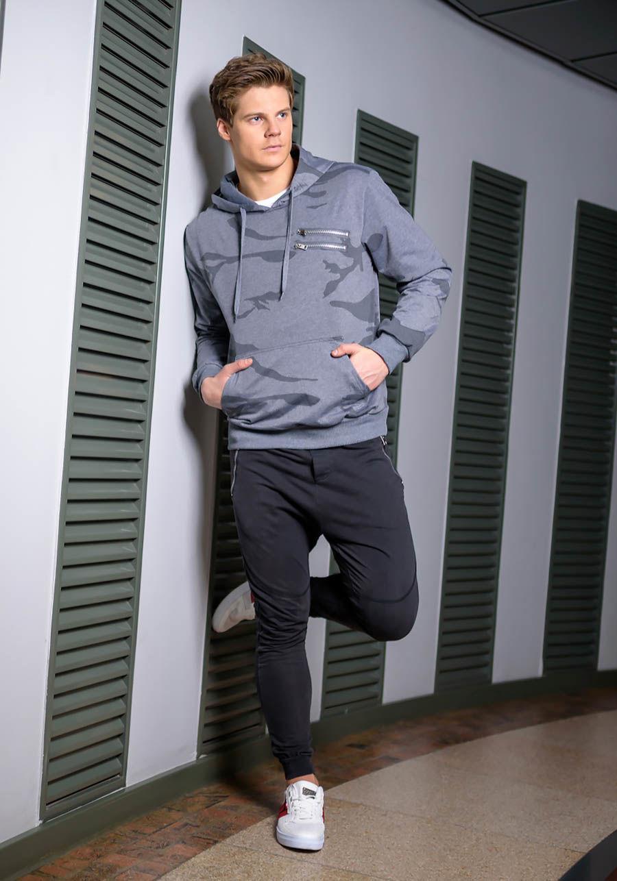 pol_pl_Stylizacja-nr-170-bluza-z-kapturem-spodnie-dresowe-joggery-buty-sportowe-49058_1.jpg