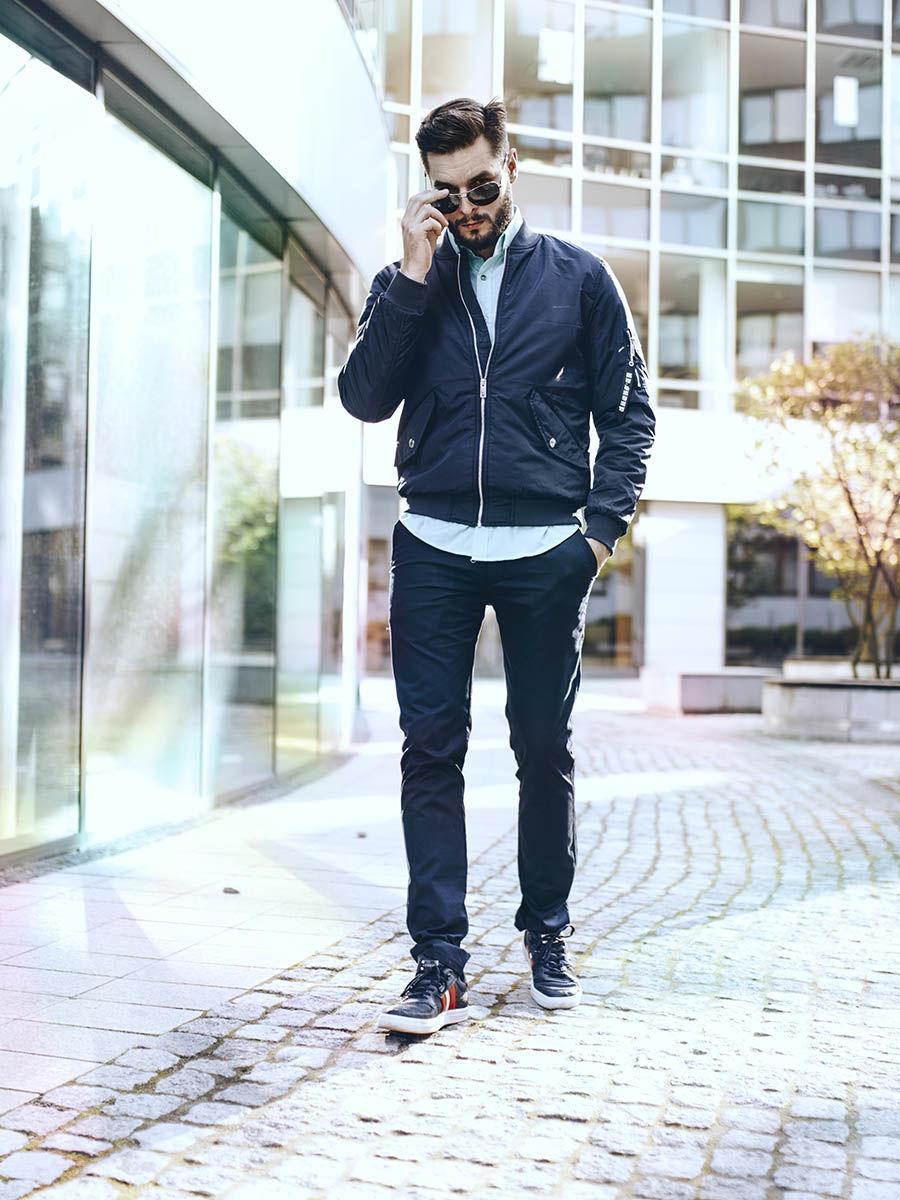 pol_pl_Stylizacja-nr-256-okulary-przeciwsloneczne-kurtka-przejsciowa-elegancka-koszula-spodnie-chinosy-buty-50599_1.jpg