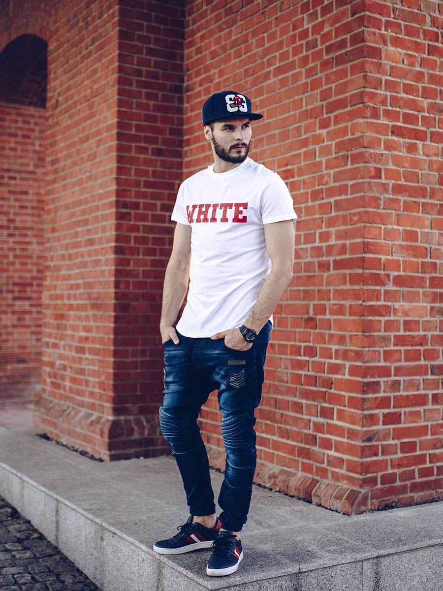 pol_pl_Stylizacja-nr-259-czapka-z-daszkiem-zegarek-T-shirt-z-nadrukiem-jeansowe-joggery-buty-50602_1.jpg