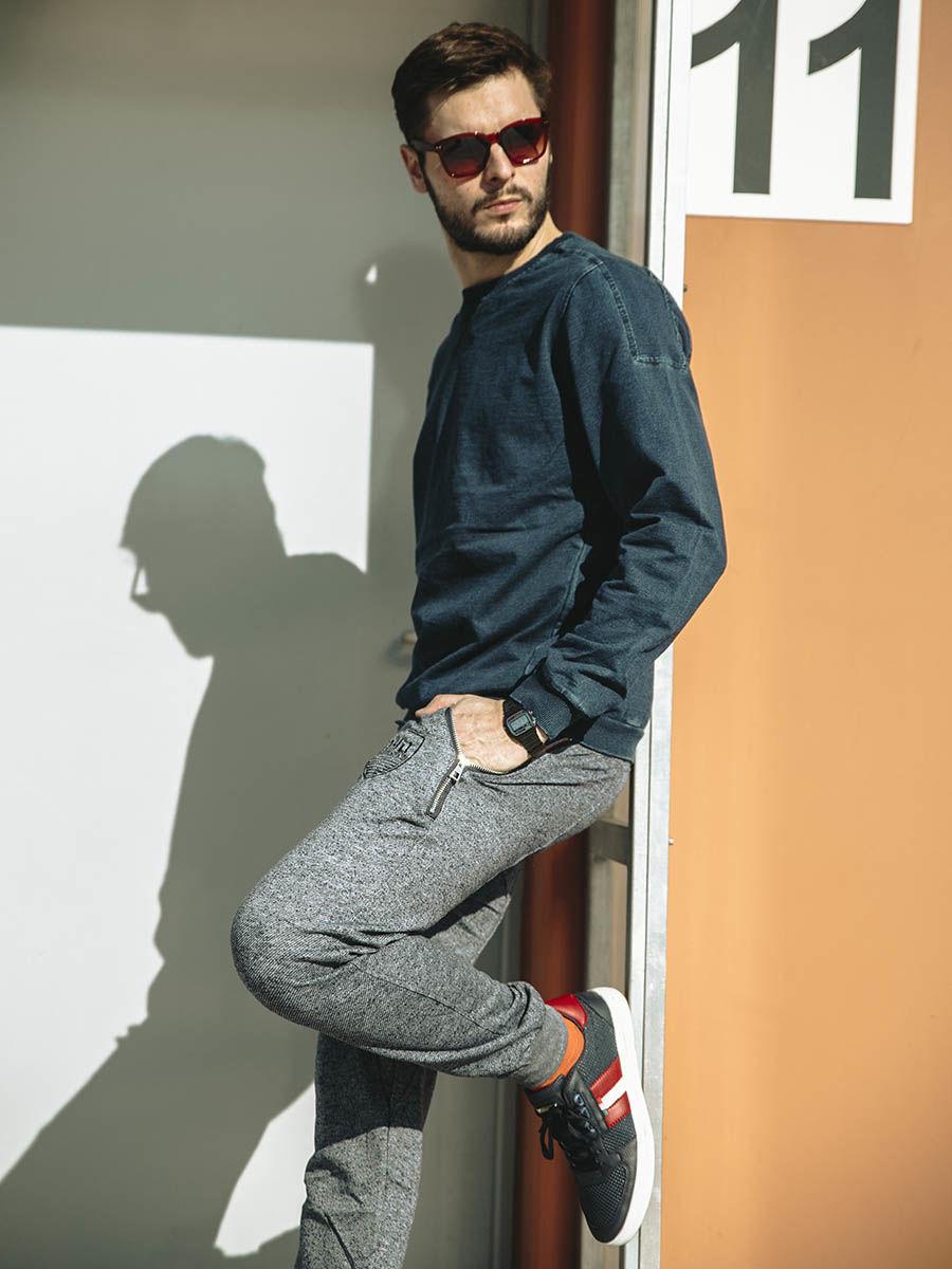 pol_pl_Stylizacja-nr-216-bluza-bez-kaptura-spodnie-dresowe-baggy-buty-50086_1.jpg