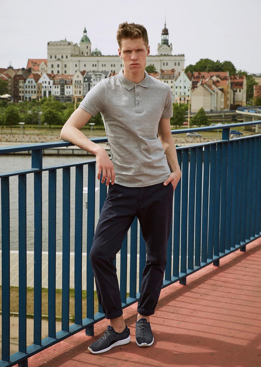 pol_pl_Stylizacja-nr-11-koszulka-polo-spodnie-chinosy-buty-46209_1.jpg