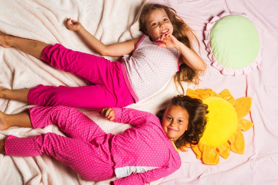 fd3ded97254793 Depositphotos_164993426_m-2015-960x640.jpg. Na fali amerykańskich filmów – piżama  party dla dzieci ...