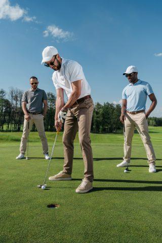 ubrania do gry w golfa