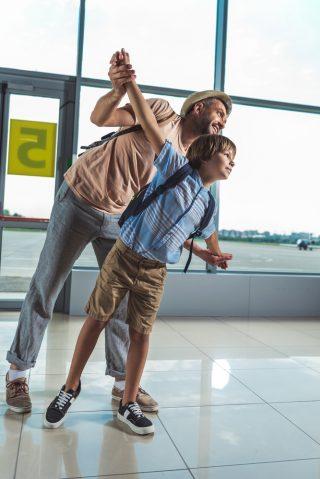 w co ubrać dziecko do samolotu
